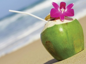_13101052569a4093f11coconut-water-1200x900
